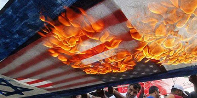حرق العلم الأمريكي