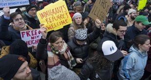مظاهرة حاشدة أمام البيت الأبيض ضد قرار ترامب بشأن المهاجرين